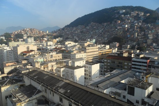 Copacabana Rio Hotel : Favelas