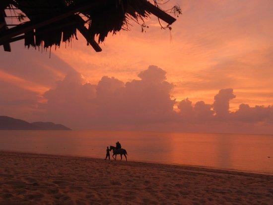 Bora Bora by Sunset : Sunset at Bora Bora