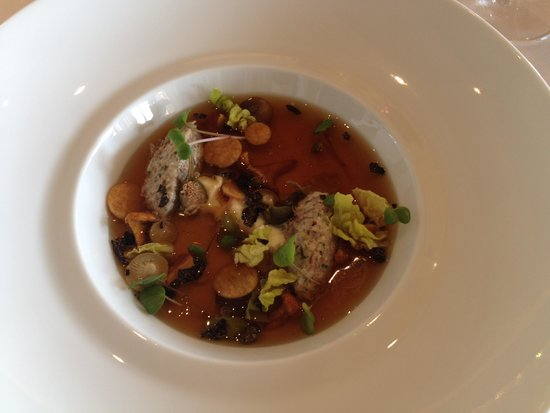 Caprice (Central): beef shoulder consomme