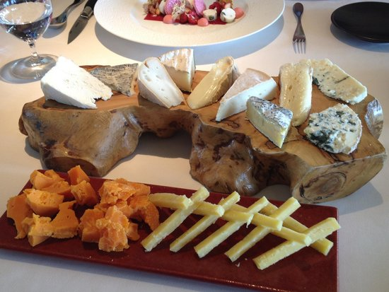 Caprice (Central): cheese plate