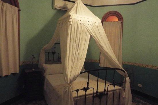 La Rosa de Ortega: De groene kamer
