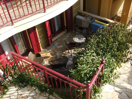 Greka Ionian Suites: Our little garden - all the other rooms have balconies