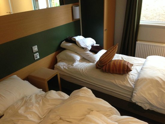 Center Parcs Longleat Forest: Twin room (after we had stayed)
