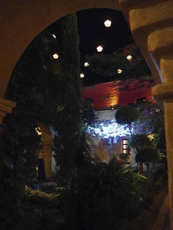Quinta Real Oaxaca: Jardin intérieur