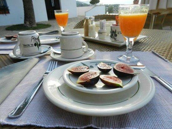 Casa Rural El Olivar: Iedere dag iets uniek bij het ontbijt