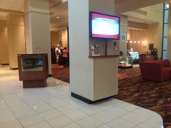 Pittsburgh Airport Marriott: Lobby