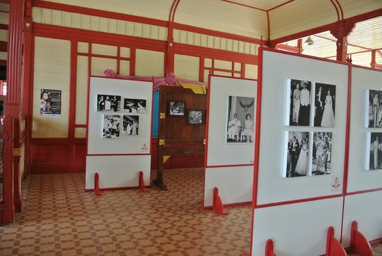Hua Hin Railway Station : Внутри вокзала