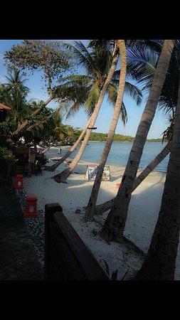 The Briza Beach Resort Samui: see out side so nice