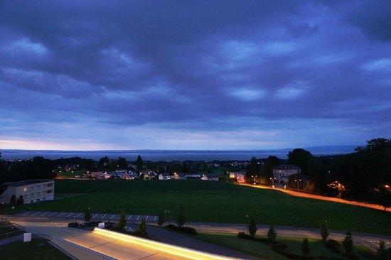 Oberwaid - Kurhotel & Privatklinik: Evening view of Lake Constance from the room