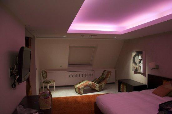 Hôtel L'Europe Colmar : Au dessus du lit