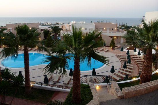 Grand Hotel Holiday Resort : Blick vom Balkon unseres Zimmers
