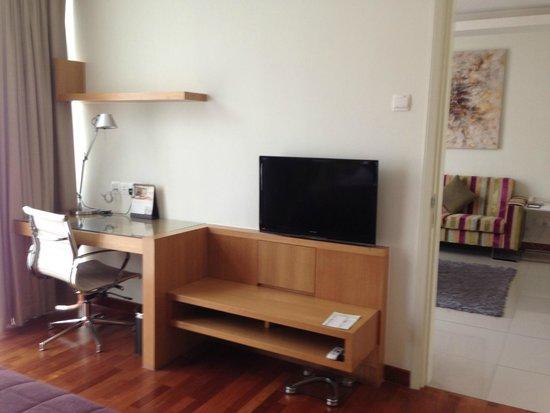 Fraser Place Kuala Lumpur : TV