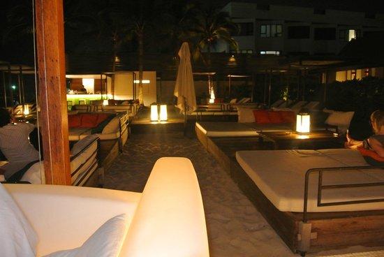Oceanside Beach Club & Restaurant: Интерьер