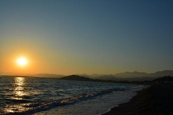 Rebin Beach Hotel: the beach of calış