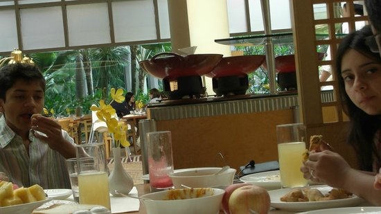 The Ritz-Carlton, Millenia Singapore: Specially made Veg Breakfast by chef