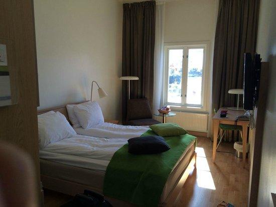 Thon Hotel Kristiansund: Zimmer Erdgeschoss