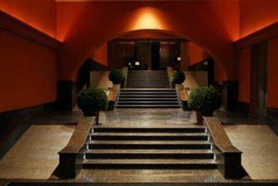 Solo Sokos Hotel Palace Bridge: sisäänkäynti