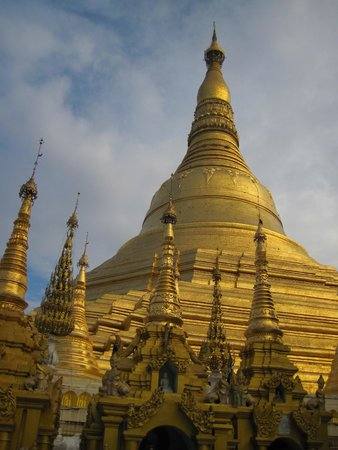 The Strand : Shwedagon Pagoda