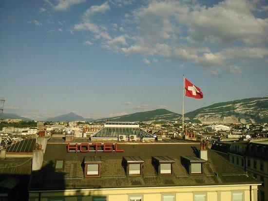 Warwick Geneva: View from 6th floor room - Hotel Warwick
