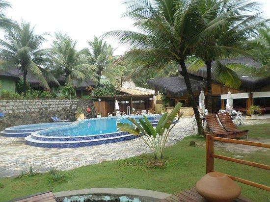 Back Door Village : Vista da piscina