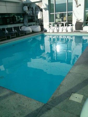 HF Ipanema Park : La piscine sur le toît