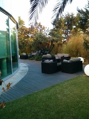 HF Ipanema Park: Petite terrasse à l'extérieur