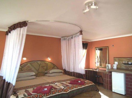 Sachsenheim Guest Farm: Rooms*