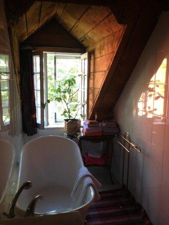 Maison Historique James Thompson: La salle de bain de la chambre du 2ème étage