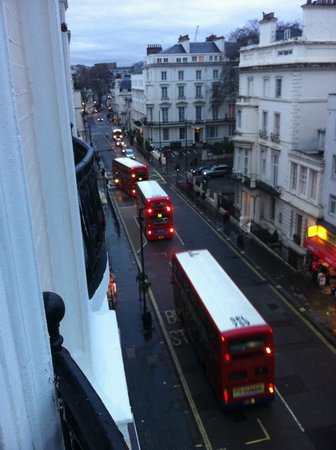 Ascot Hyde Park Hotel: Вид из окна