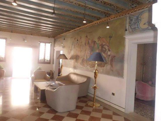 Hotel Gardena : Hotel lounge