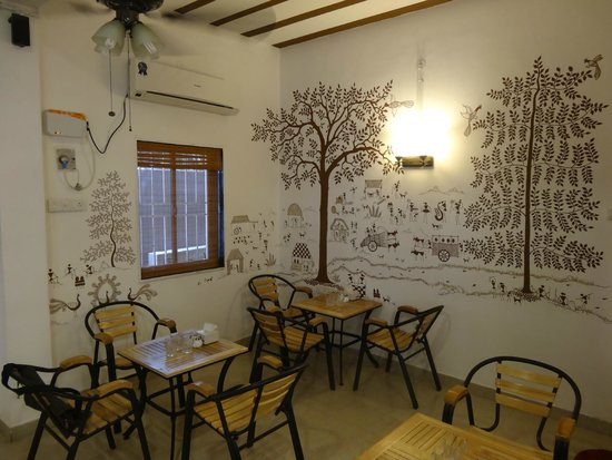 The Bistro Story Warli Art on the Walls & Warli Art on the Walls - Picture of The Bistro Story Chennai ...