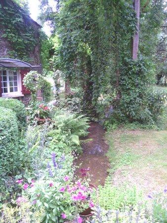Le Moulin Neuf : Ruisseau