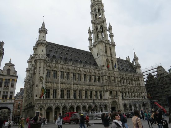 Town Hall (Hotel de Ville) : town hall
