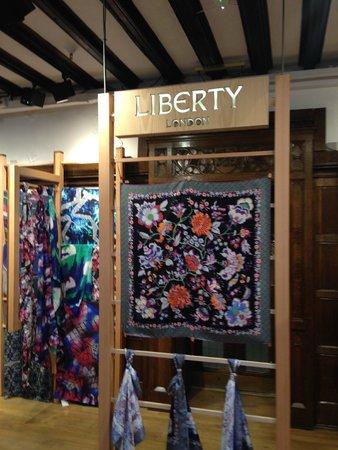 Liberty London : Espositore