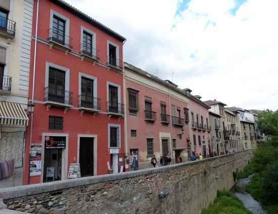 Carrera del Darro : Start from Plaza Nueva