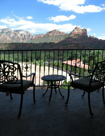 Best Western Plus Arroyo Roble Hotel & Creekside Villas: Red Rock View from Balcony