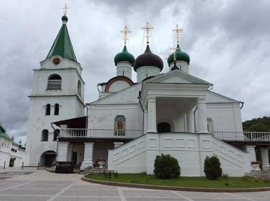 Pechersky Ascension Monastery : Igreja e Torre