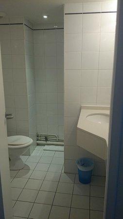 Hotel Ours Blanc Centre : salle de bain