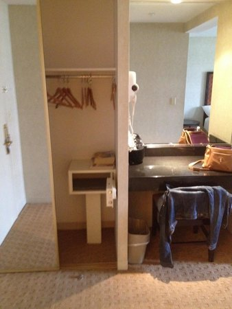 Skyline Hotel : Wardrobe with safe, also an iron, ironing board and hair dryer