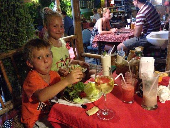 The Hut Cafe : Детям очень нравится!