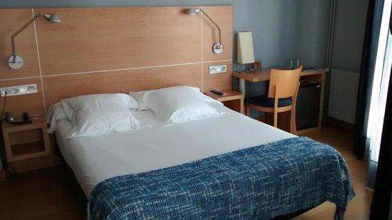 Hotel Jauregui : Habitación