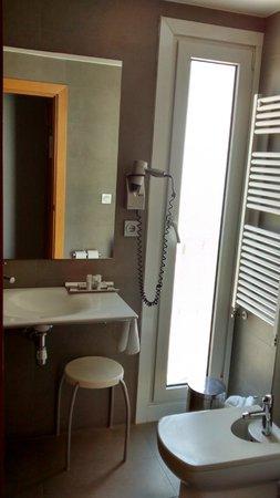 Hotel Jauregui : Baño