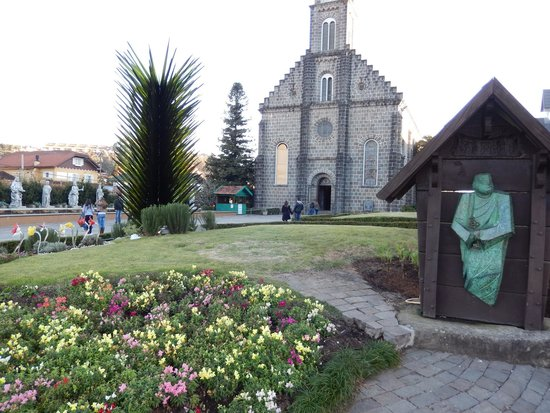 Igreja Matriz Sao Pedro Apostolo : Arquitetura diferente