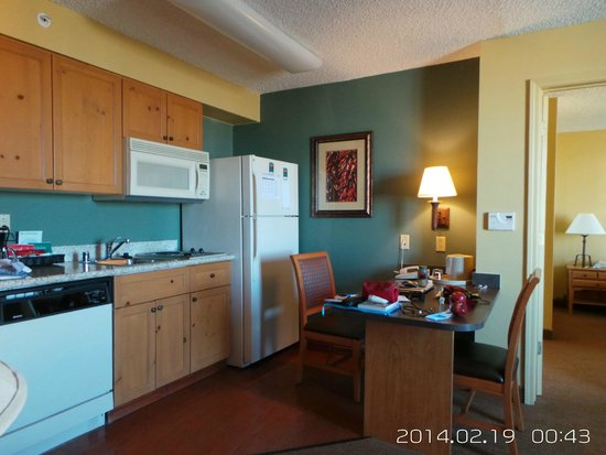 Homewood Suites by Hilton Albuquerque: kitchen