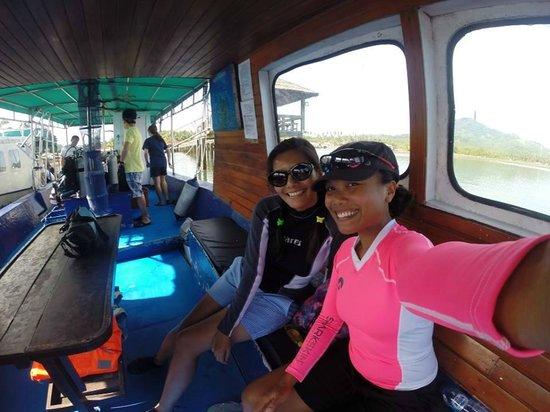 Cocotinos Manado : Clean dive boats