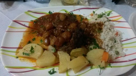 Hellinikon Restaurant : Melt in the mouth Beef stifado