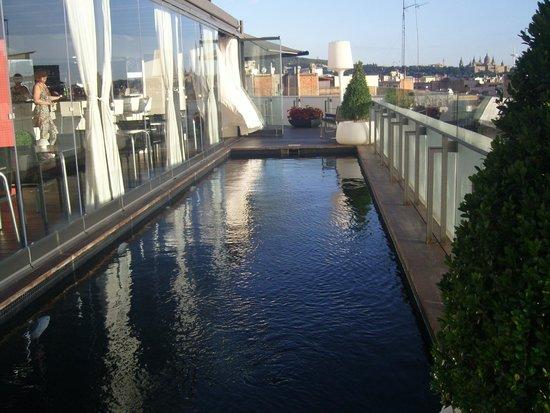 Hotel Cram : Le couloir de nage le jour