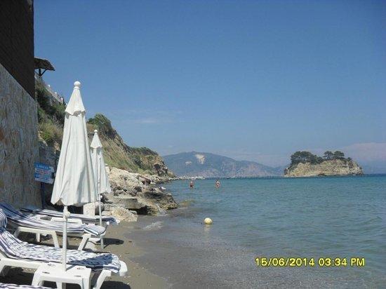 Zante Sun Hotel: Plaża bardzo wąska