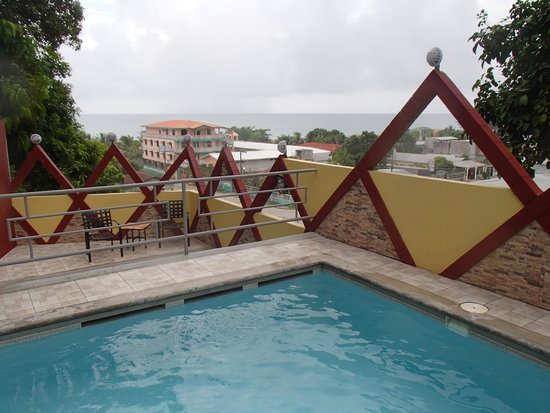 Maya Vista Hotel : A view from the pools.