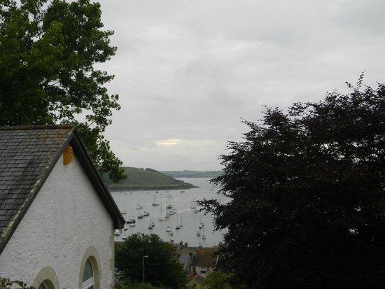 Seaview Inn: Side view